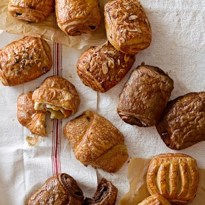 almond-croissants-set-of-15-c